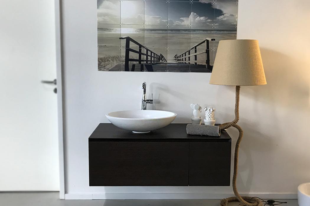 ShowRoom Waschbecken mit Dekoelementen