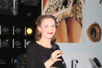 Sängerin im Show Room