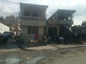 Haiti Hilfsprojekt kaputtes Haus