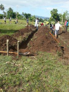 Haiti Wiederaufbau Graben ausheben